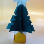 クリスマスの飾りに!折り紙 ツリー~簡単3Dツリーを子供とつくろう~