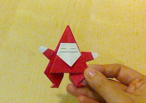 クリスマス折り紙サンタ